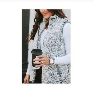 Thread+Supply Sherpa vest size XL